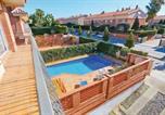 Location vacances Sant Andreu de Llavaneres - Five-Bedroom Holiday Home in Sant Vicenc de Montalt-4
