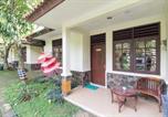 Location vacances Bogor - Reddoorz Resort @ Cimahpar Bogor-2