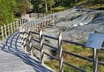 Location vacances Florø - Three-Bedroom Holiday home in Stavang 1-2