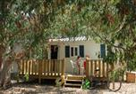 Camping avec Piscine Gard - Flower Camping Le Mas de Mourgues-1