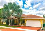 Location vacances Homestead - Large Miami Home with Pool and Barbeque-4