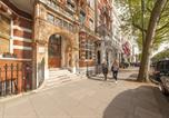 Hôtel Londres - Astor Hyde Park Hostel-1