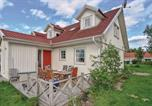 Location vacances Gothenburg - Four-Bedroom Holiday Home in Ojersjo-1
