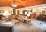 Location vacances Ruidoso Downs - Three-Bedroom English Resort-3