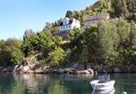 Location vacances Balestrand - Four-Bedroom Holiday home in Feios-1