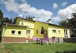 Location vacances Petrohrad - Two-Bedroom Holiday Home in Lubenec-1