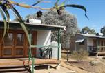 Hôtel Solomontown - Stone Hut Cottages-1