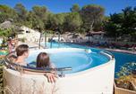 Camping avec Spa & balnéo Gard - Camping Le Mas de Reilhe-1