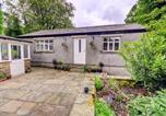 Location vacances Accrington - Holiday Home Clitheroe Road-2