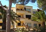 Location vacances Cales de Mallorca - Apartamentos Los Pinos-2