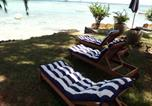 Location vacances Pointe aux Piments - Villa By The Beach-1