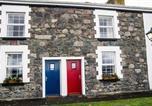 Location vacances Castlegregory - Jacks' Coastguard Cottage Vacation home-4