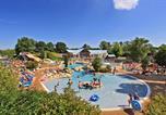 Camping avec Parc aquatique / toboggans Mesland - Castel Parc de Fierbois-1