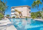 Location vacances George Town - Poinsettia #B4 (Condo)-1