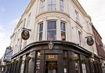 Hôtel Scalby - The Dickens Bar & Inn-1