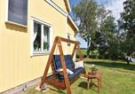 Location vacances Lidköping - Four-Bedroom Holiday Home in Kvanum-4