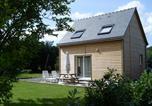 Location vacances Pléhédel - Maison Bois-1