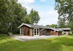 Location vacances Strandby - Holiday Home Rughaven-1