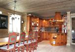 Location vacances Stryn - Six-Bedroom Holiday Home in Stryn-2