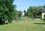 Camping avec Site nature Limousin - Castel Château de Poinsouze-1