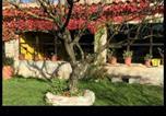 Location vacances Rupit i Pruit - El Castell de Tavertet-1