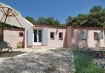Location vacances Besse-sur-Issole - Studio Holiday Home in Pignans-1