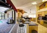 Location vacances Wesley Chapel - Pine Warbler Pool Home-2