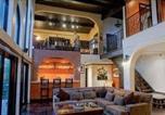 Location vacances Studio City - Modern Spanish Villa with Pool-1