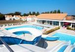 Location vacances Pays de la Loire - Les Grands Rochers-1