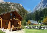 Camping en Bord de rivière Savoie - Alpes Lodges-2