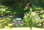 Location vacances Les Eyzies-de-Tayac-Sireuil - Chambres d'Hôtes & Gites Pouget-1