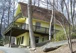 Location vacances Weaverville - Azalea Chalet , Cabin at Chimney Rock-1