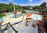 Camping avec Quartiers VIP / Premium Saint-Jean-le-Thomas - Castel Château de Galinée-1