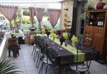 Location vacances Saint-Estèphe - Chambres d'Hôtes Les Près Verts-1