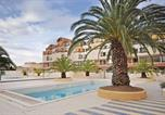 Location vacances Gruissan - Two-Bedroom Apartment in Gruissan-1