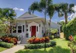 Location vacances West Palm Beach - Nini's Cottage Vacation Home-1