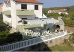 Location vacances Kukljica - Apartments Lonić-1