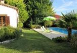 Location vacances Sainte-Croix - Holiday Home Robert-1