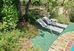 Location vacances La Fare-les-Oliviers - Apartment Impasse des Lilas-1