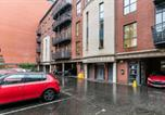 Location vacances Belfast - Two bedroom city centre apartment-1