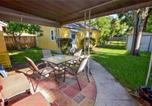 Location vacances St Petersburg - Starfish Cottage - Two Bedroom Home-4