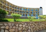 Villages vacances Kampala - Hawaii Resort-1