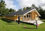 Location vacances Frederiksværk - Four-Bedroom Holiday home in Frederiksværk-1