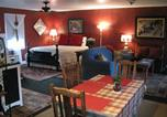 Location vacances Abbeville - Apartment A, A Bed and Breakfast Cottage-1