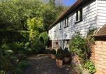 Location vacances Herstmonceux - Idyllic 18th Century Period Cottage with Stream-3