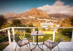 Location vacances Hout Bay - Art Gallery Guest House - Thandekayo-2