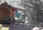 Location vacances Bakersfield - Log Cabin in the Woods with Wifi!-1