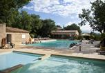 Camping avec Piscine couverte / chauffée Régusse - Domaine des Chênes Blancs-4