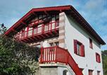 Location vacances Ahaxe-Alciette-Bascassan - Holiday home Maison Minaberria Saint Jean Le Vieux-1