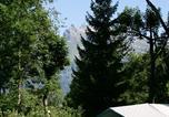 Camping avec Piscine couverte / chauffée Neydens - Nature & Lodge Camping Les Dômes de Miage-2